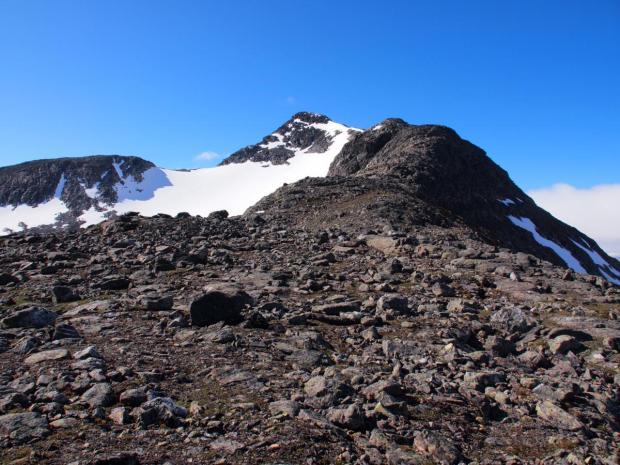 Climbing the north ridge of Kvigtinden (1699m)